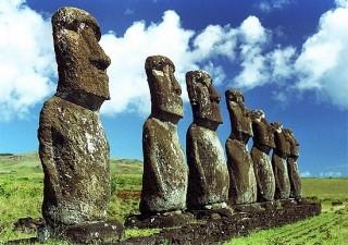 Un Moai per Lo Spirito del Pianeta  a Chiuduno  venerdì 27 maggio la posa del cappello sulla statua costruita nel maggio 2015