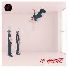 """Mosche, """"Mi assento"""" è il primo singolo contenuto nell'album """"SENZA ALI"""""""