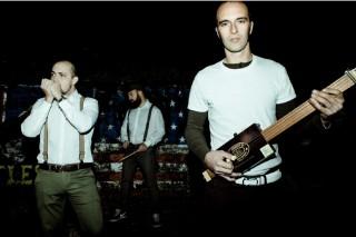 Esce il 3 Aprile DISTRUZIONI PER L'USO, l'album d'esordio degli ARNESI