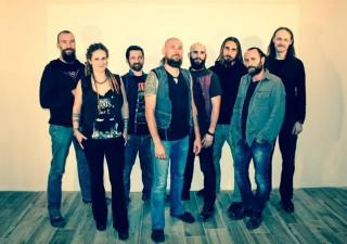 FOLKSTONE, la rock band ormai affermata a livello non solo nazionale, il 3 novembre fa uscire il nuovo album; OSSIDIANA. Il 4 e l'11, rispettivamente al Live di Trezzo (MI) e Orion di Roma, la presentazione dal vivo.