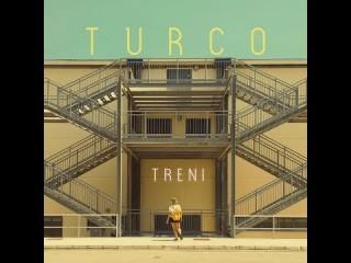 TURCO presenta TRENI un bellissimo video che farebbe gola a profili instagram come designboom o deezen… l'architettura italiana della quotidianità che diventa arte, pop culture per un video di un brano synth pop da heavy rotation