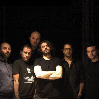 Sabato 8 dicembre, al Joy di Milano, un'abbuffata di ska music con Matrioska, Arpioni e altre 5 band ad avvicendarsi sul palco per una serata tutta in levare, dalle 18 a notte inoltrata
