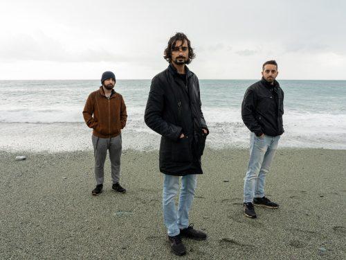 I lodigiani Tes ritornano con Essere Umano, il nuovo singolo frutto della selezione al bando Break The Wall a cura di SIAE ed Arci Bellezza.